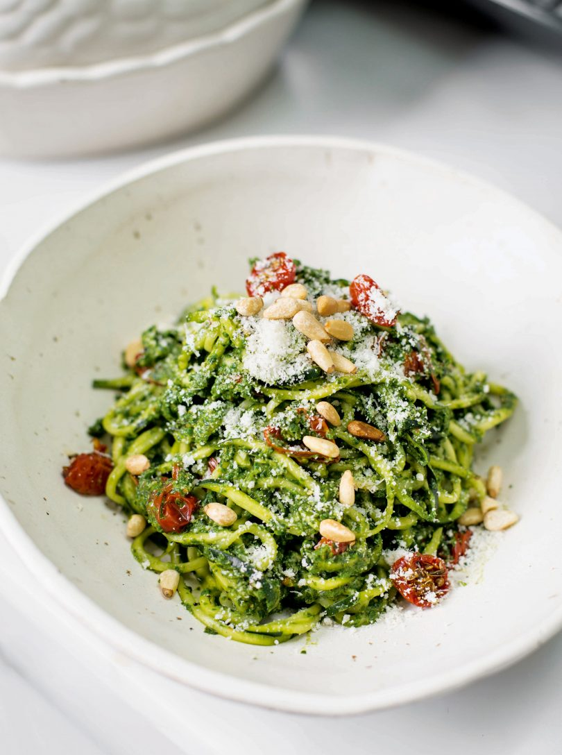 Spinach and basil pesto courgetti